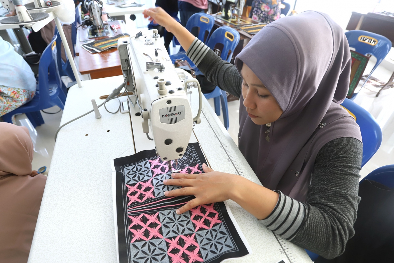 Dekranasda Banda Aceh Adakan Pelatihan Bordir Tas Motif Aceh dan Finishing Tas Motif Aceh