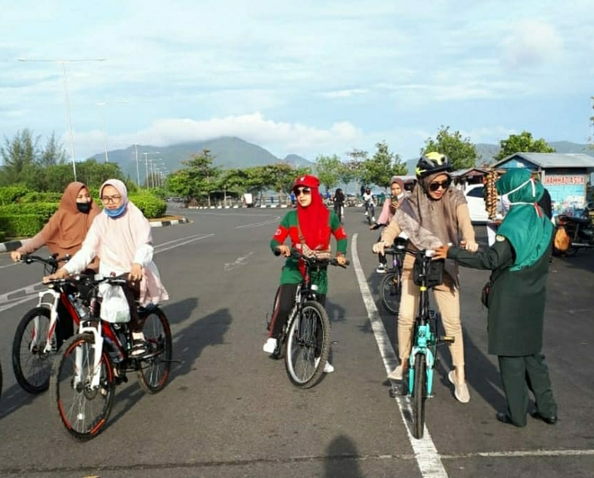 WH Pantau Pesepeda Yang Tidak Berbusana Islami di Banda Aceh