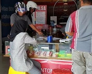 Telkomsel Alami Gangguan, Warga di Banda Aceh Ramai Ramai Beli Kartu Operator Lain.