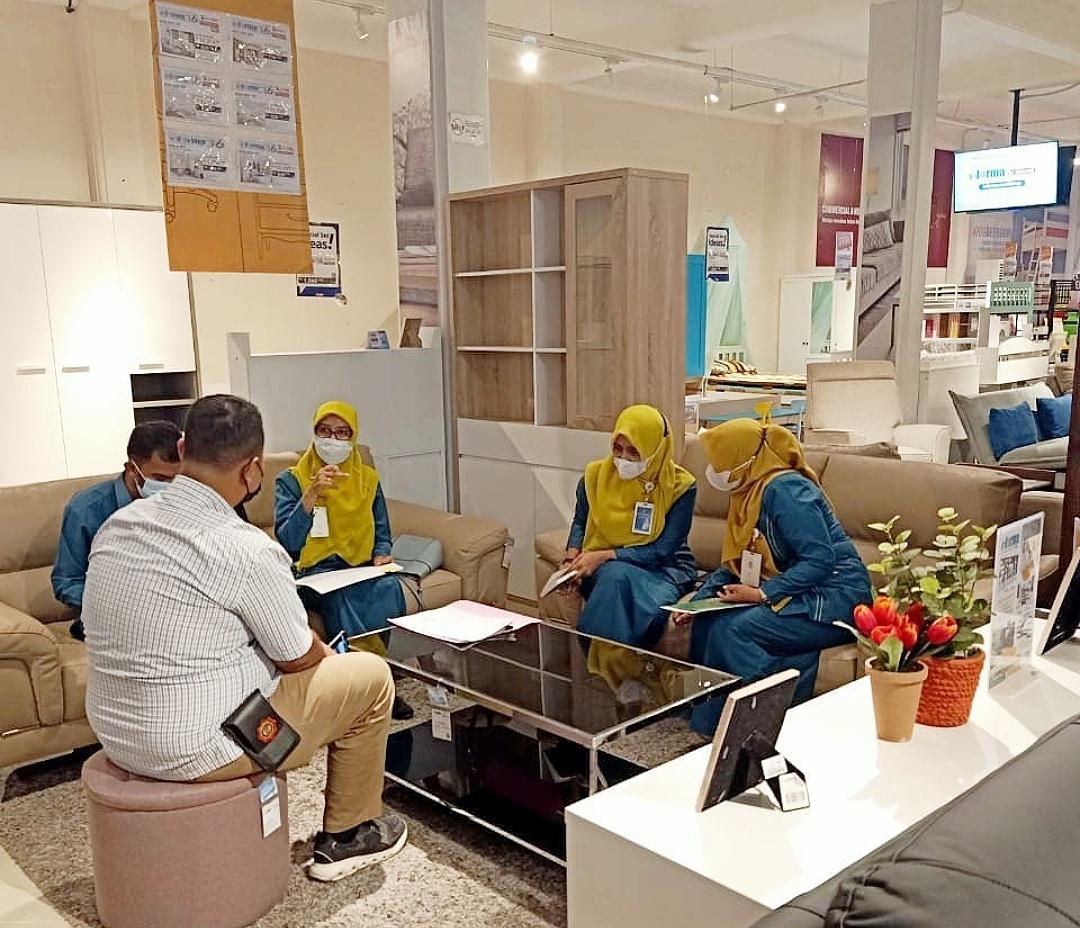 DPMPTSP Kota Banda Aceh Dampingi Pelaku Usaha Sampaikan Laporan Kegiatan Penanaman Modal